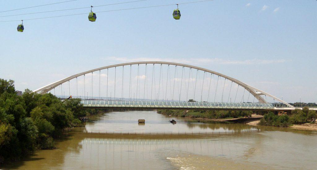 1280px-puente_del_tercer_milenio