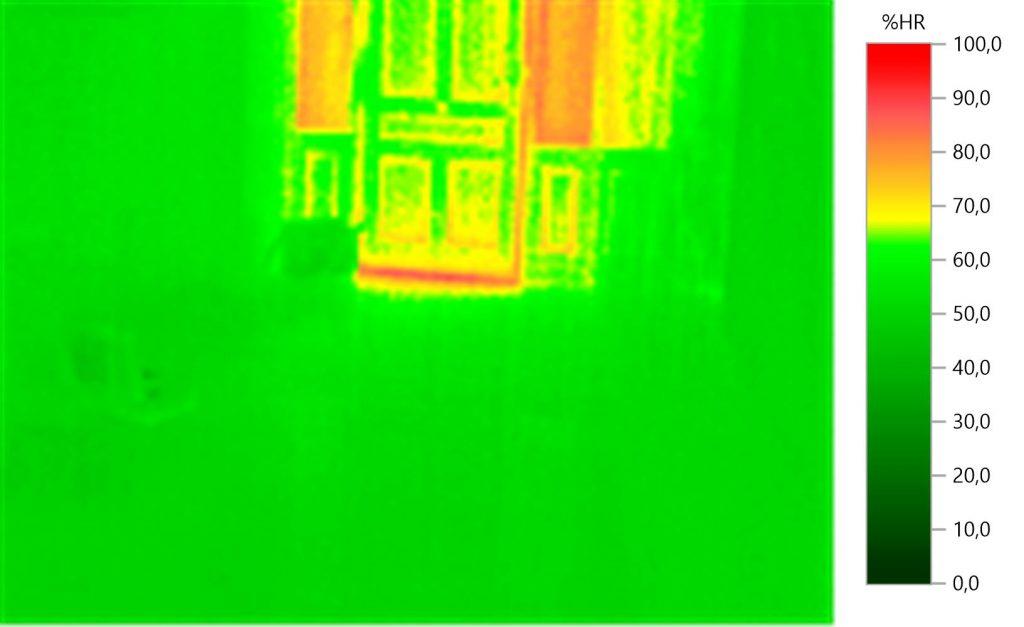 Detalle de humedades en paredes exteriores.